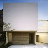 newhouse_outside022_1000